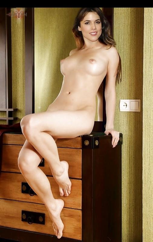 Adriana Ugarte free nude celebrities