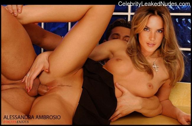 Free Nude Celeb Alessandra Ambrósio 4 pic