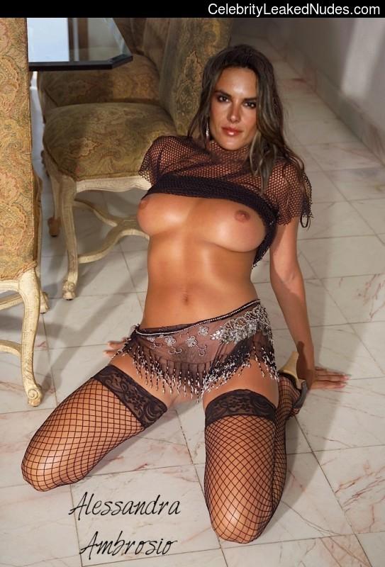 Naked Celebrity Alessandra Ambrósio 4 pic