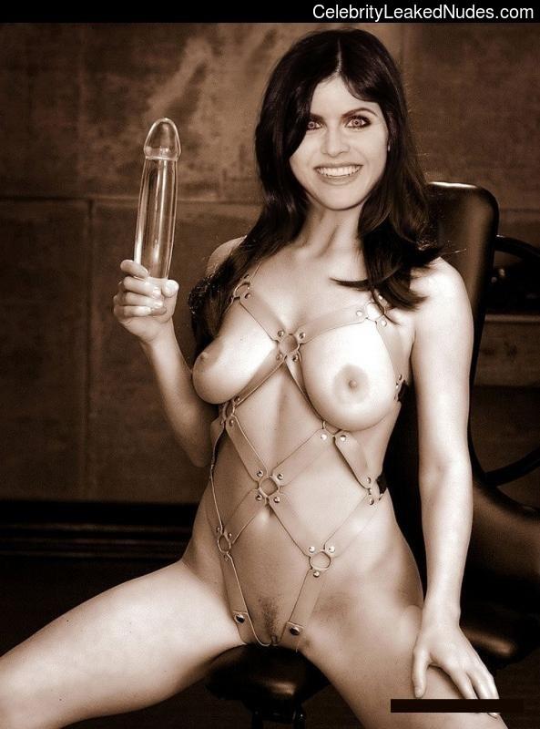Nude Celeb Pic Alexandra Daddario 1 pic