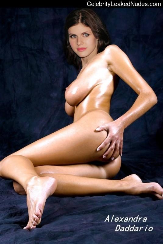Alexandra Daddario nude celebrity pictures