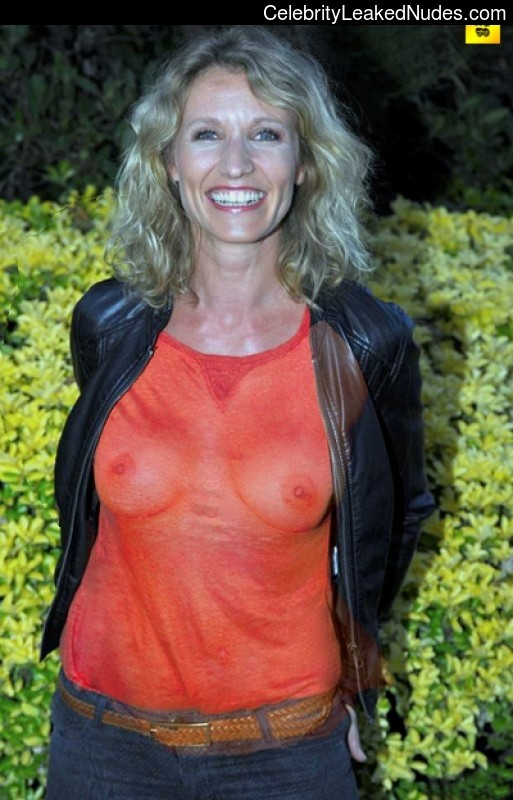 Alexandra lamy real nude version has