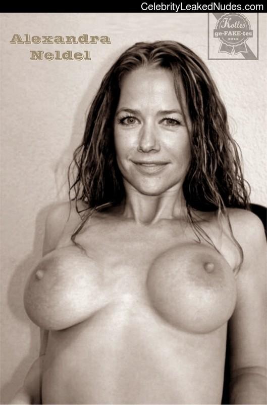 Hot Naked Celeb Alexandra Neldel 4 pic