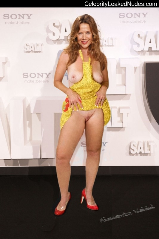 Naked celebrity picture Alexandra Neldel 8 pic