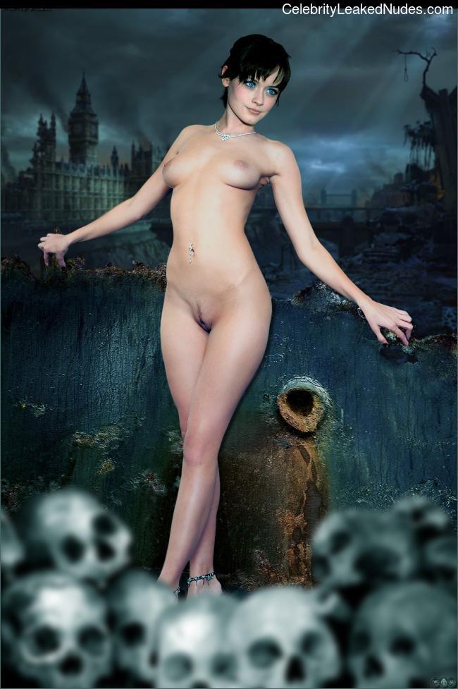 Famous Nude Alexis Bledel 14 pic