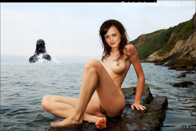 Famous Nude Alexis Bledel 2 pic