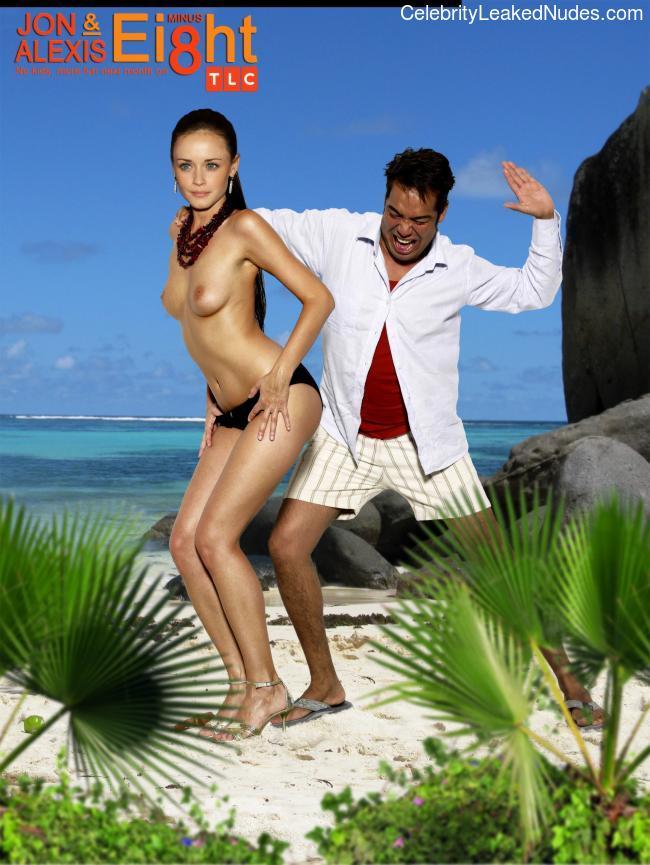 Best Celebrity Nude Alexis Bledel 4 pic