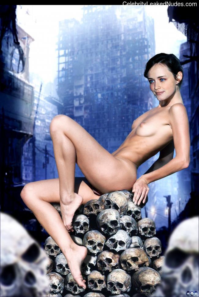 Best Celebrity Nude Alexis Bledel 9 pic