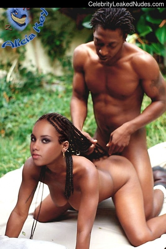 Real Celebrity Nude Alicia Keys 7 pic