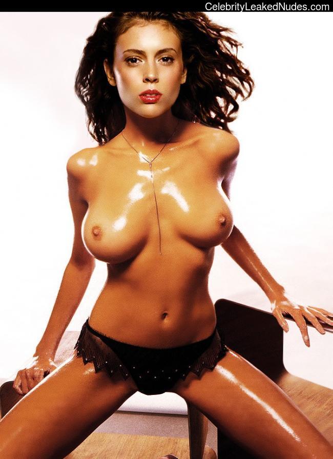 Nude Celebrity Picture Alyssa Milano 15 pic