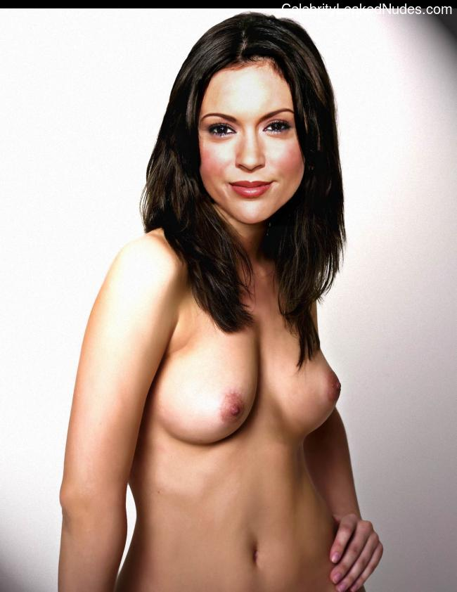 Celebrity Leaked Nude Photo Alyssa Milano 25 pic
