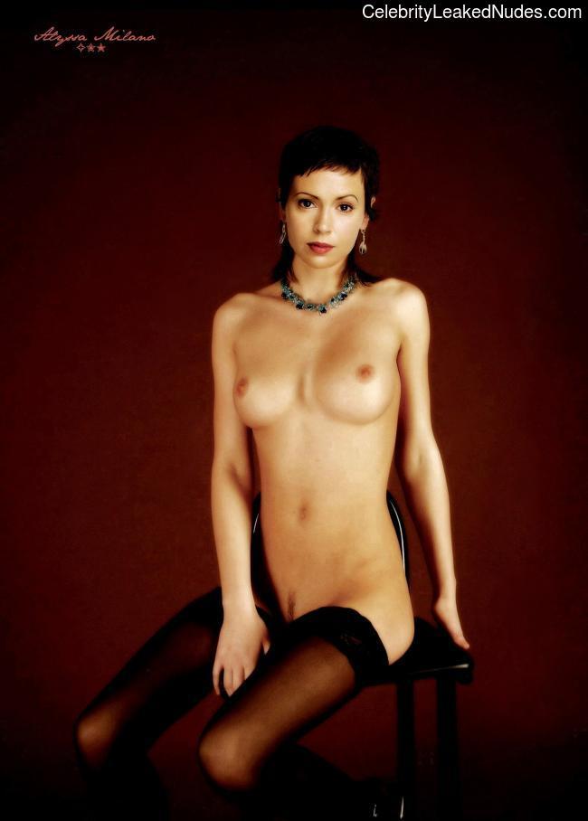 Free nude Celebrity Alyssa Milano 8 pic