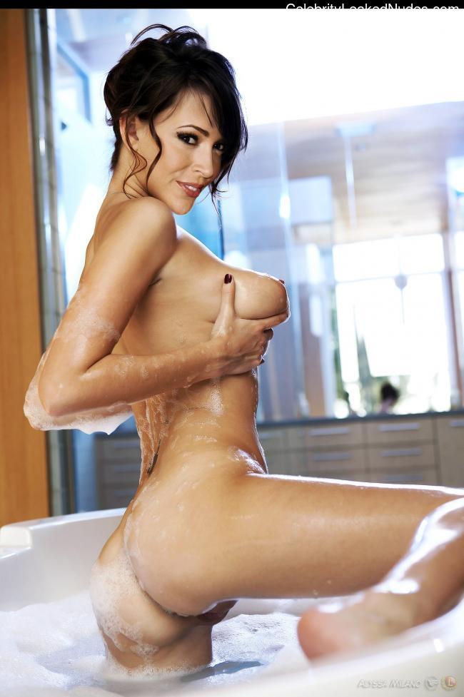 Celeb Naked Alyssa Milano 14 pic