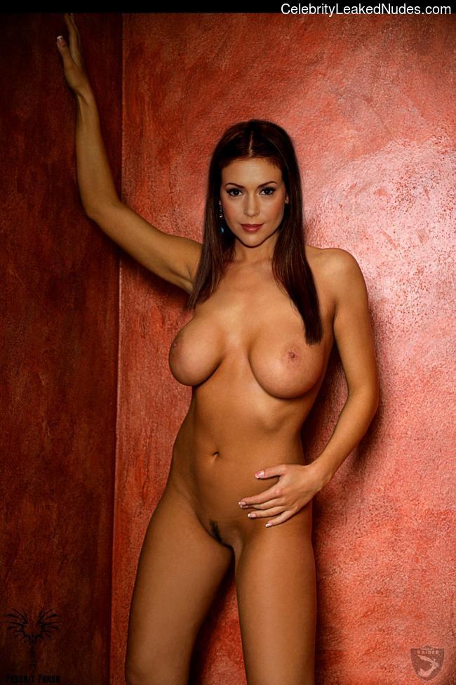 Naked Celebrity Alyssa Milano 2 pic