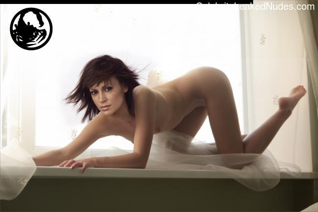 nude celebrities Alyssa Milano 5 pic