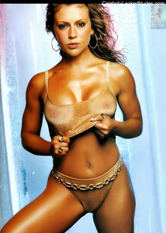 Celeb Nude Alyssa Milano 7 pic
