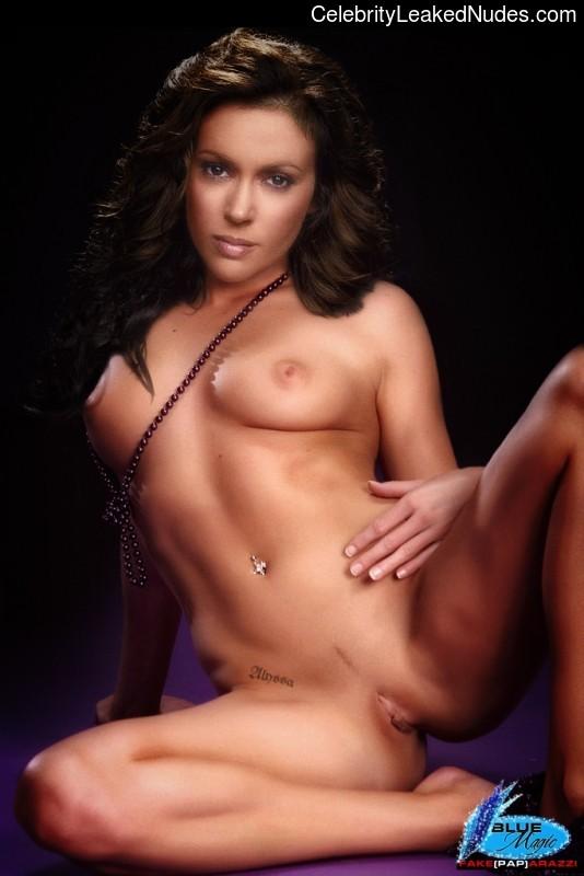 celeb nude Alyssa Milano 14 pic