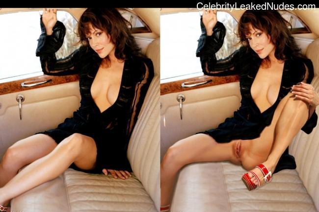 Naked Celebrity Pic Alyssa Milano 17 pic