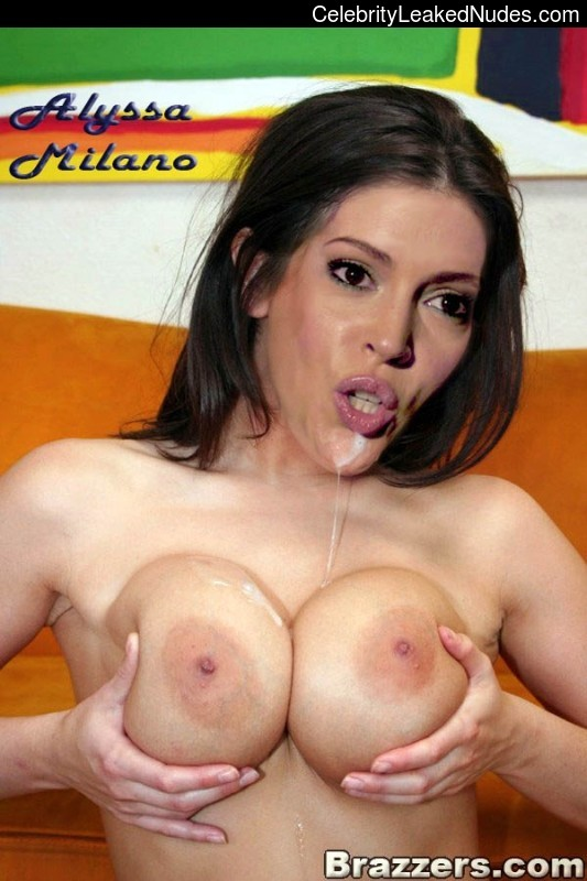 Celebrity Leaked Nude Photo Alyssa Milano 8 pic