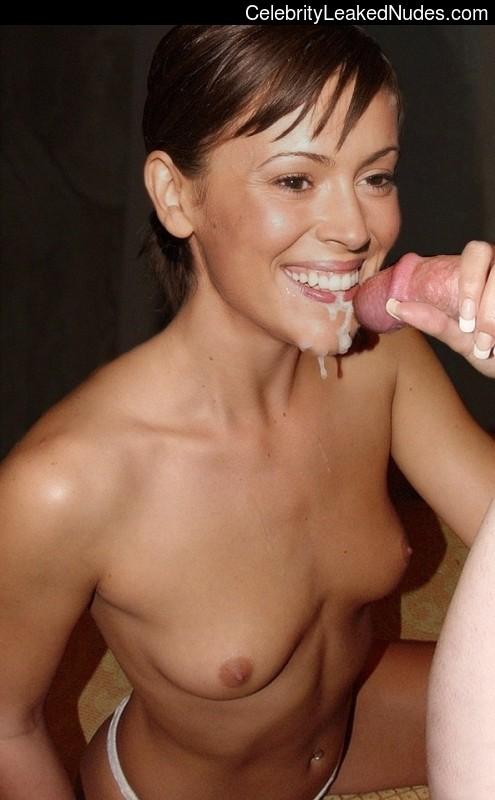 Real Celebrity Nude Alyssa Milano 15 pic