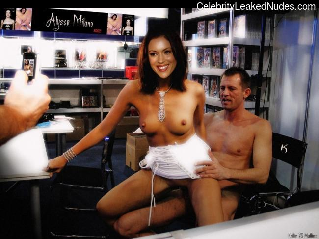 Naked celebrity picture Alyssa Milano 31 pic