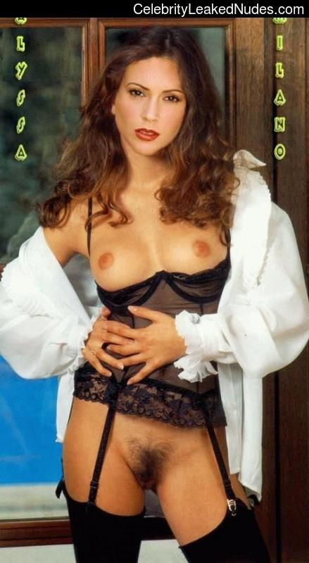 Celeb Nude Alyssa Milano 5 pic