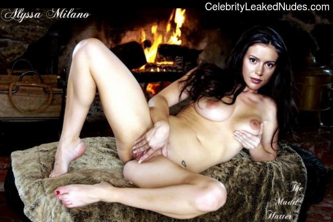 Best Celebrity Nude Alyssa Milano 11 pic