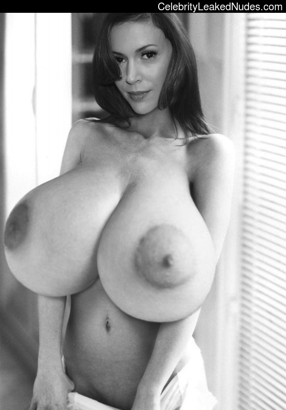 Free nude Celebrity Alyssa Milano 23 pic