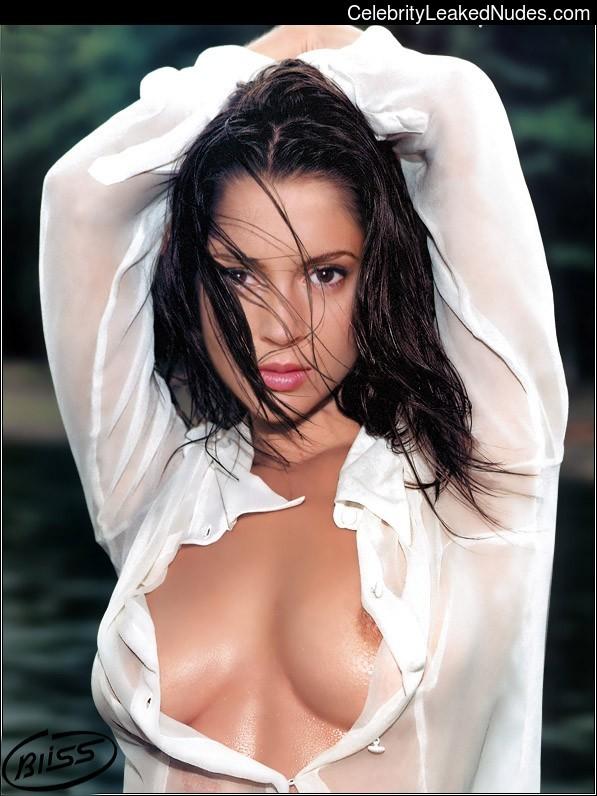 Free Nude Celeb Alyssa Milano 3 pic