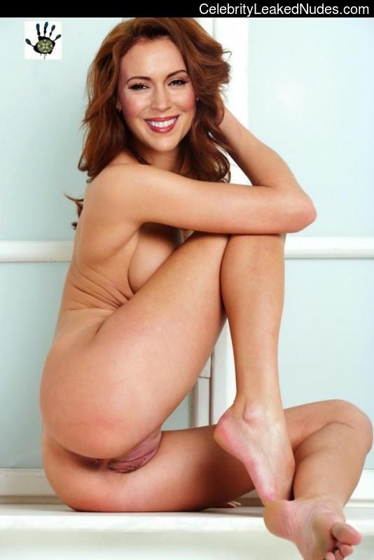 Celebrity Leaked Nude Photo Alyssa Milano 8 pic