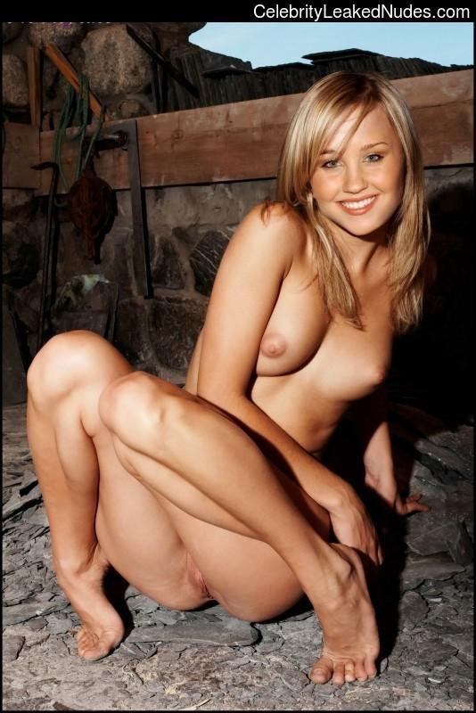 Naked Celebrity Amanda Bynes 1 pic