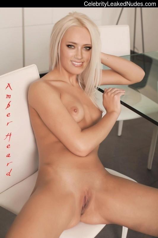 Celeb Naked Amber Heard 5 pic