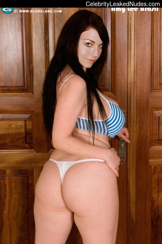 Hot Naked Celeb Amy Lee 30 pic