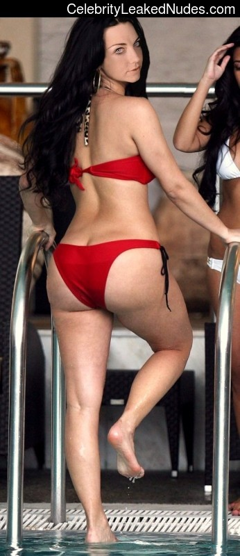 Newest Celebrity Nude Amy Lee 12 pic