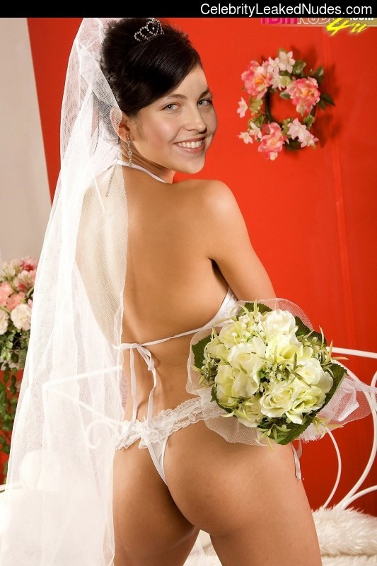 Free Nude Celeb Amy Lee 26 pic