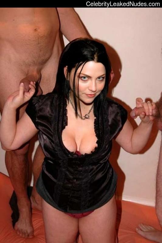 Celeb Naked Amy Lee 9 pic