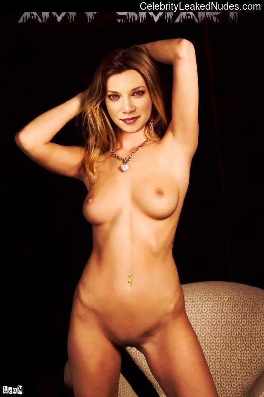 Free nude Celebrity Amy Smart 5 pic
