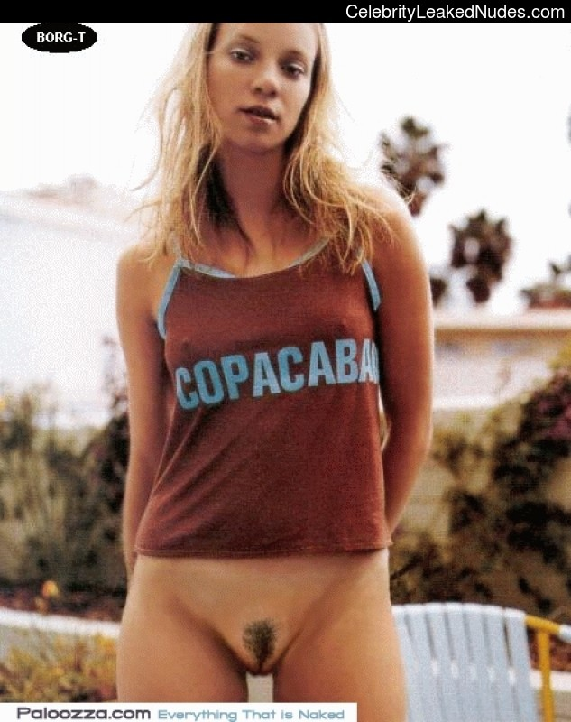 Celebrity Leaked Nude Photo Amy Smart 29 pic