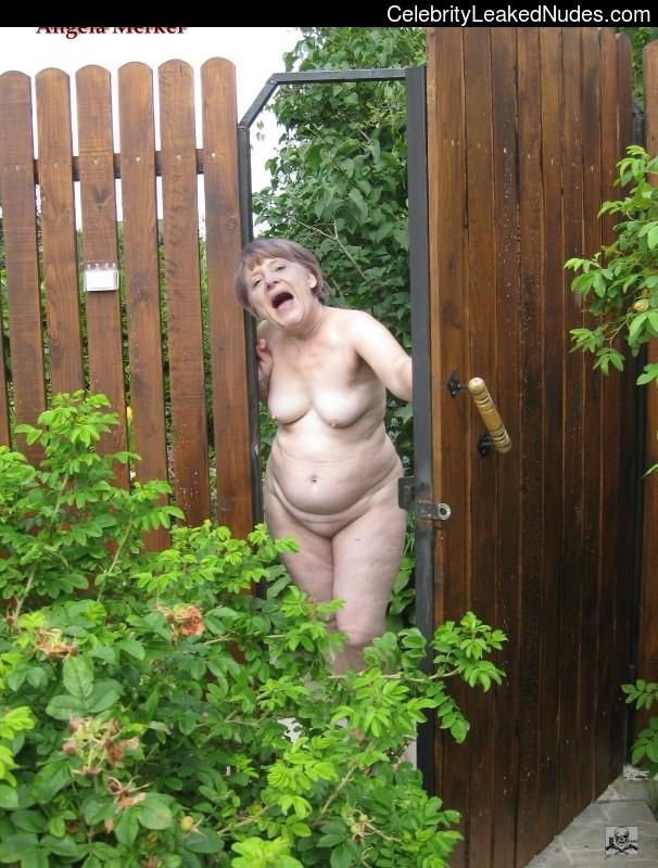 Голая соседка по даче фото 20356 фотография