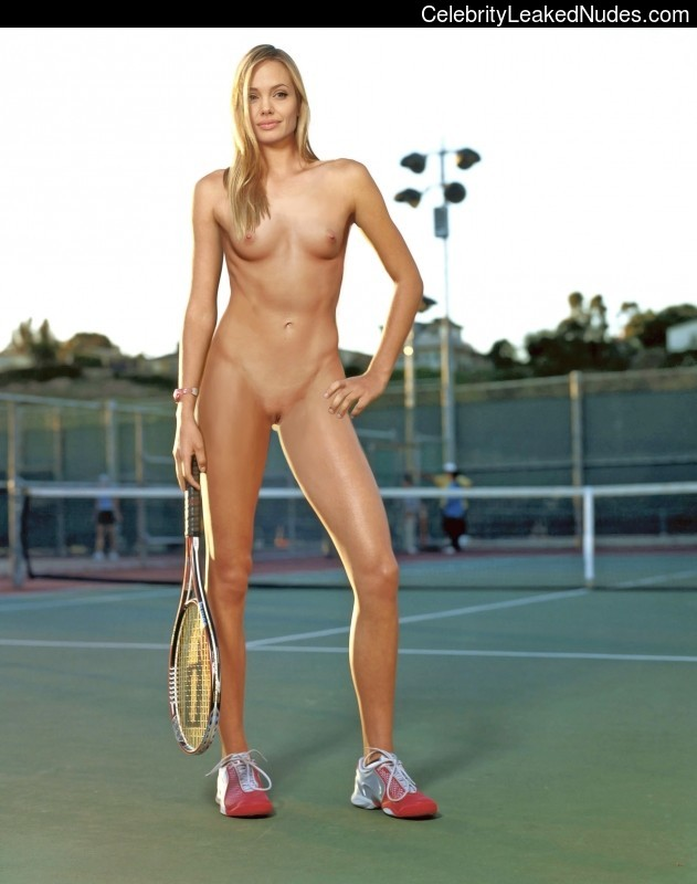 Free nude Celebrity Angelina Jolie 10 pic