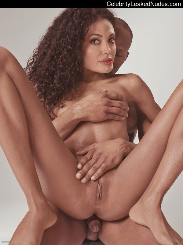 Celeb Naked Angelina Jolie 12 pic