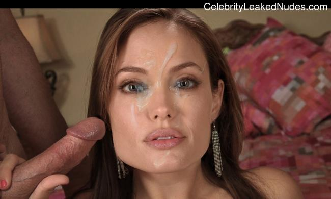 naked Angelina Jolie 25 pic