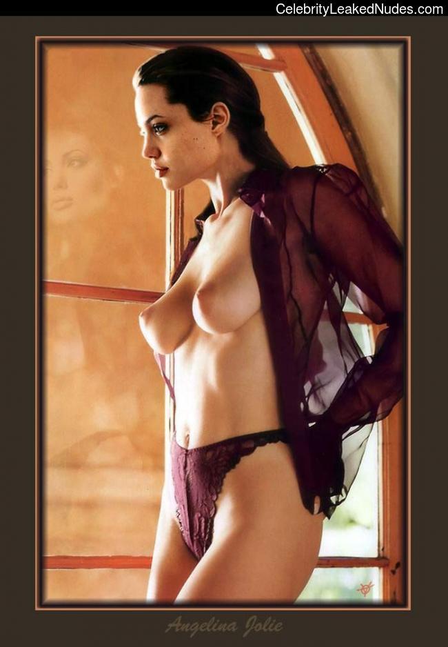 Nude Celeb Pic Angelina Jolie 12 pic