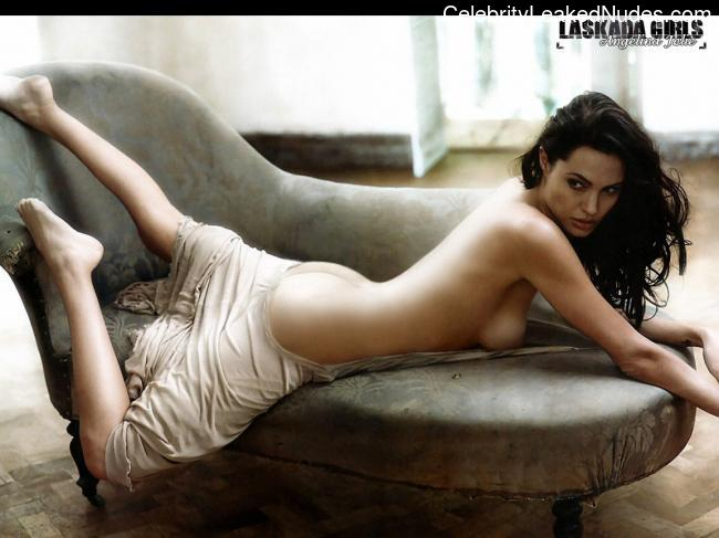 Nude Celebrity Picture Angelina Jolie 16 pic