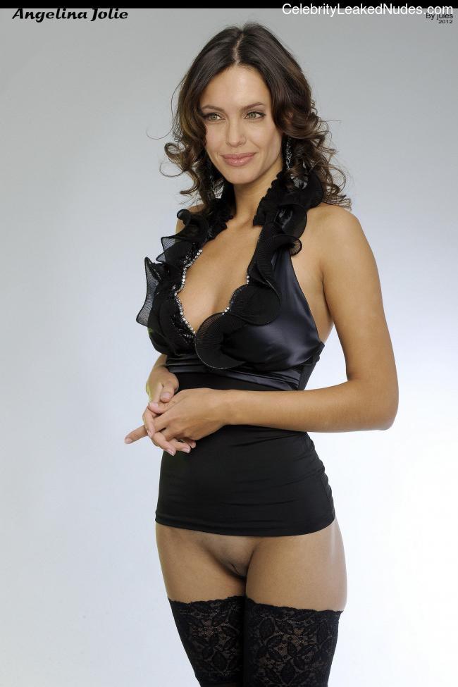Free Nude Celeb Angelina Jolie 24 pic