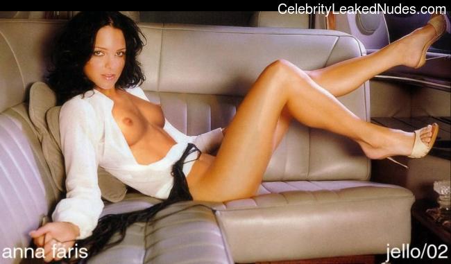 Nude Celebrity Picture Anna Faris 10 pic