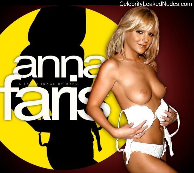 Celeb Nude Anna Faris 4 pic