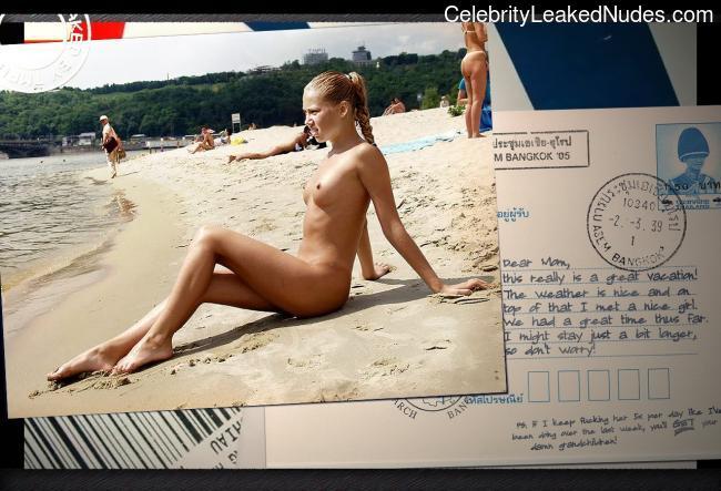 Newest Celebrity Nude Anna Kournikova 13 pic