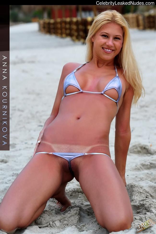 Celeb Nude Anna Kournikova 2 pic