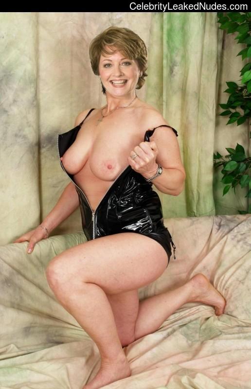 Anne Diamond free nude celeb pics